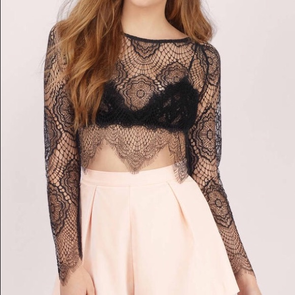 1bfc6682f65c6 NWOT Tobi Lace Crop Top. M 5b148a2a9539f7a5f346fee2